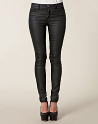 Vero Moda - Wonder Coated Jeans