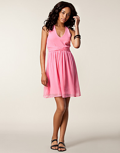 DRESSES - VERO MODA / MINNIE STRAP SHORT DRESS - NELLY.COM