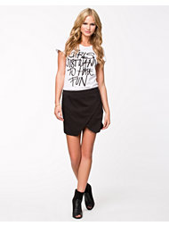 Vero Moda Alma Short Skirt