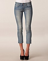 NIKI LOW LT MUD WASH ANCLE JEANS