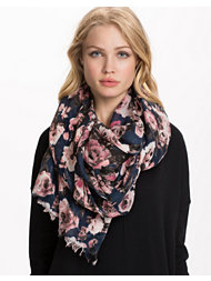 Pieces Masha Long Scarf
