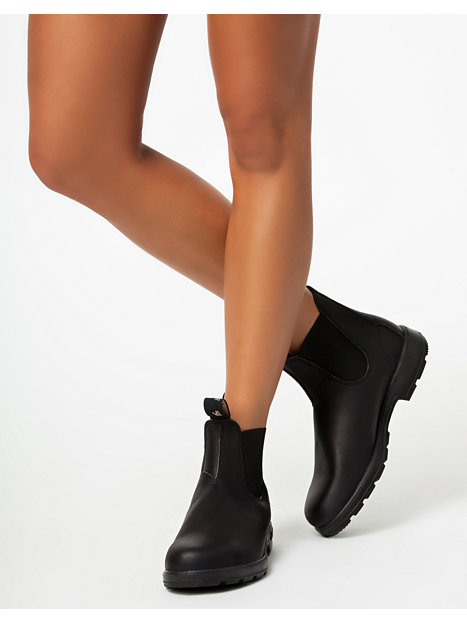 Awesome And Rugged Solesbasically Everything You Need In A Quality Winter And Fall Boot, And Nothing You Dont I Tried Out Blundstones Womens Boot, In Black Leather I Wanted Something That Would Be Versatile For Traveling In Winter, Would