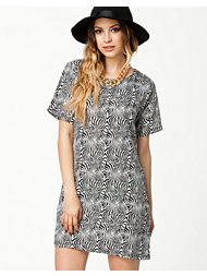 Ax Paris Printed Shift Dress