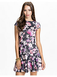 Club L Trumpet Waffel Skater Dress