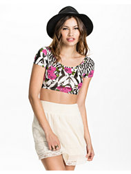 Club L Cross Over Crop Top