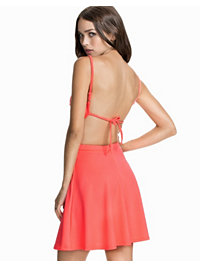 Festkjoler, Halter Tie Back Dress, Club L - NELLY.COM