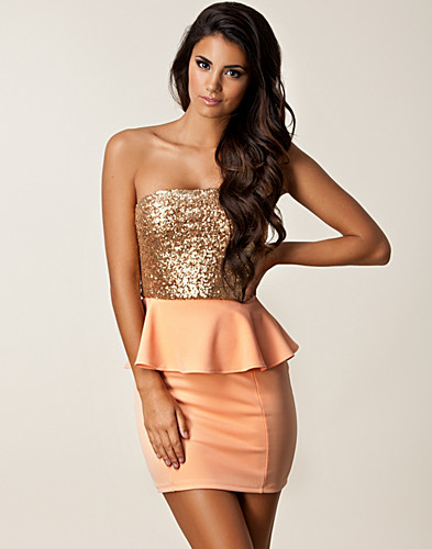 FESTKJOLER - DARK PINK / ONE SHOULDER PEPLUM DRESS - NELLY.COM