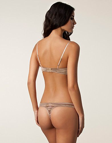 HELA SET - ELLE MACPHERSON INTIMATES / EVENING LALU THONG SET - NELLY.COM