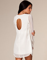 Paprika - Keywhole Back Shift Dress