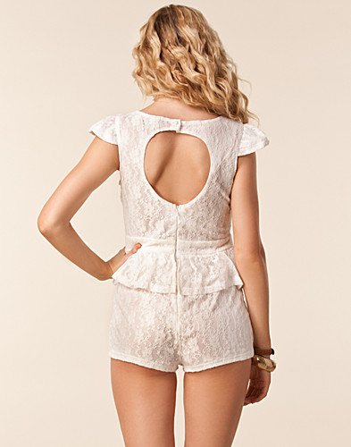 JUMPSUIT - PAPRIKA / LACE PEPLUM PLAYSUIT - NELLY.COM