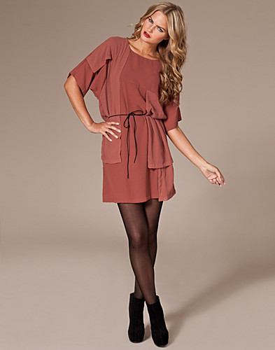 KJOLER - SELECTED FEMME / SAINT DRESS - NELLY.COM