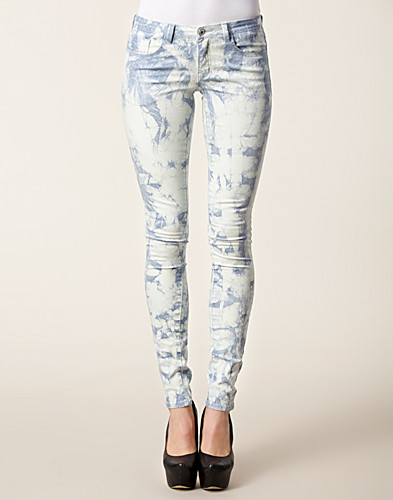 JEANS - VILA BASIC / CLEAVO LOW TIE DYE JEANS - NELLY.COM