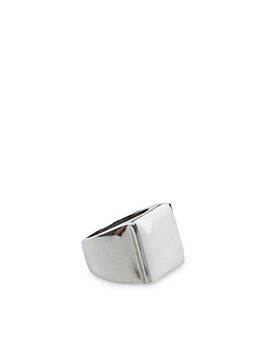 JEWELLERY - NLY ORCHID / CHASTITY BIG RING - NELLY.COM