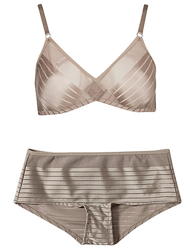 COMPLETE SETS - HUIT / MRS WANG BRA BOXER SET - NELLY.COM