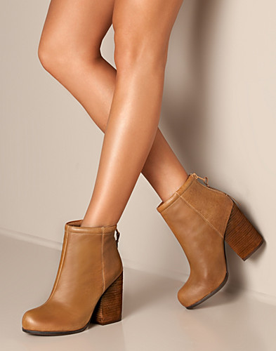 EVERYDAY SHOES - JEFFREY CAMPBELL / RUMBLE - NELLY.COM