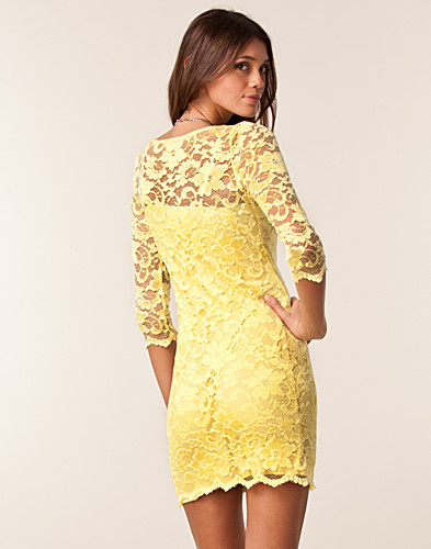 FESTKJOLER - JOHN ZACK / SLASH NECK LACE DRESS - NELLY.COM