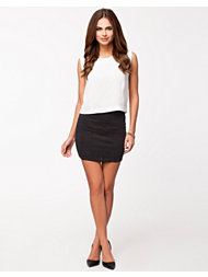 Sisters Point Singo Skirt