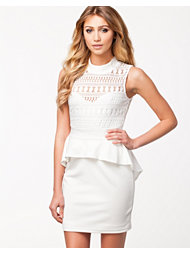 NLY Trend Lace Peplum Dress