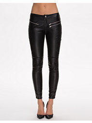 NLY Trend Faux Leather Pants