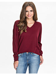 NLY Trend Deep V-neck Sweater
