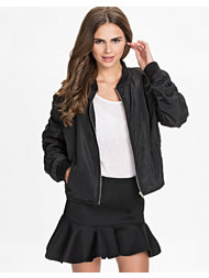 NLY Trend Detailed Bomber Jacket