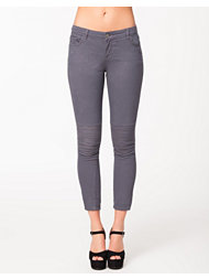 NLY Trend Embroided Jeans