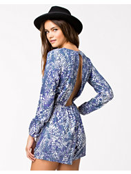 NLY Trend Show Your Back Playsuit