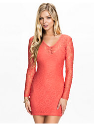 NLY Trend V-neck Lace Dress