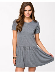 NLY Trend Low Frill Dress