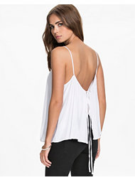 NLY Trend Open Back String Singlet