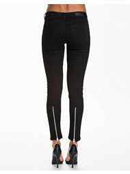 NLY Trend Back Zip Jeans