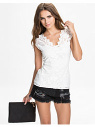 NLY Trend Scallop Lace Top