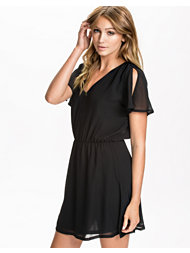 NLY Trend Flowy Shortsleeve Dress