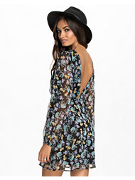 NLY Trend Long Sleeve Dress
