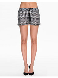 NLY Trend Tassel Shorts