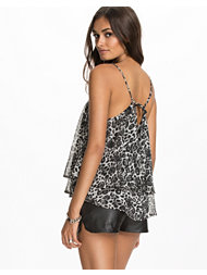 NLY Trend Two Print Top