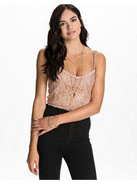 Topper, Lace Crop Top, NLY Trend - NELLY.COM