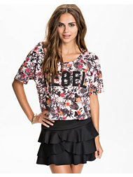 NLY Trend Rebel Top