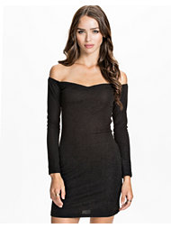NLY Trend Bare Shoulder Dress