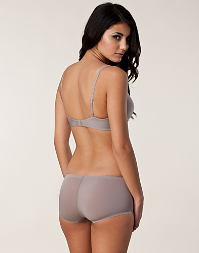 COMPLETE SETS - TRIUMPH / BODY MAKE-UP SHORT SET - NELLY.COM
