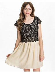 Dry Lake Wilma Short Sleeve Dress