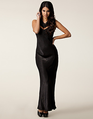 FESTKLÄNNINGAR - THE WARDROBE / MILLENNIUM MAXI DRESS - NELLY.COM