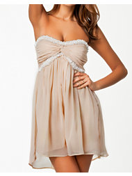 NLY Trend Short Pearled Dreamy Dress