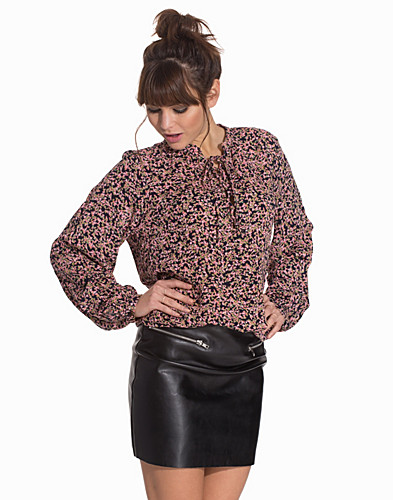 Nelly.com SE - VMFAUNA L/S TOP 259.00