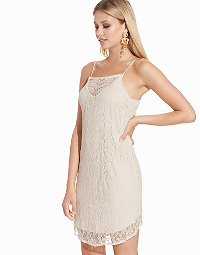 VMFIFI NICE LACE SHORT DRESS NFS (2216447887)