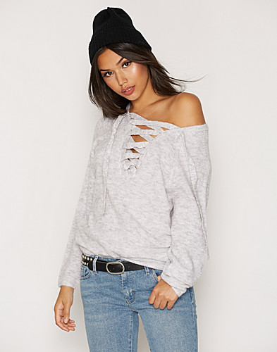 VICANT STRING KNIT TOP1 (2300131899)