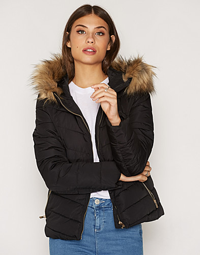 Nelly.com SE - onlELLAN QUILTED HOOD FUR JACKET OT 599.00