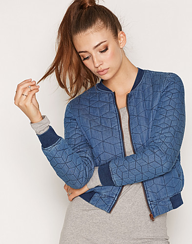 Nelly.com SE - onlJOSEPHINE QUILTED DNM BOMBER GUA 599.00