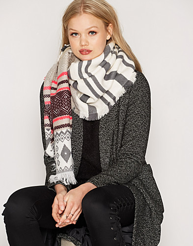 Nelly.com SE - VMEVE LONG SCARF 259.00