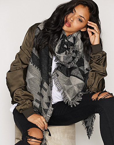 Nelly.com SE - PCPATIENCE LONG SCARF 229.00